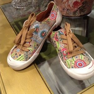 Rocket Dog Floral Cotton Sneakers